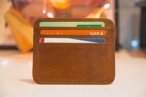 Portfel z kartami bankowymi