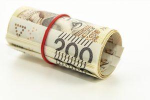 Zwinięte banknoty